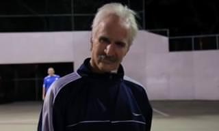 ¡Este Anciano Tiene Excelentes Dotes Para El Fútbol!