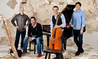 4 Hombres, 3 Minutos, 2 Chelos, 1 Piano