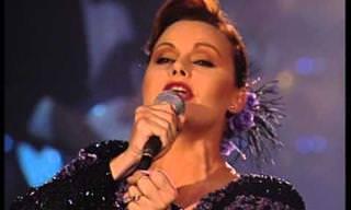 """Rocío Durcal Canta: """"Ya Te Olvidé"""""""