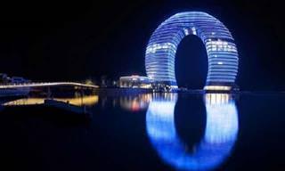 Estos Edificios Son Increíbles Cuando Cae La Noche ...