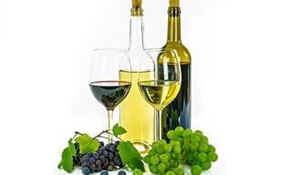 Una Comparación De Los Beneficios Para La Salud Del Vino Tinto y Blanco