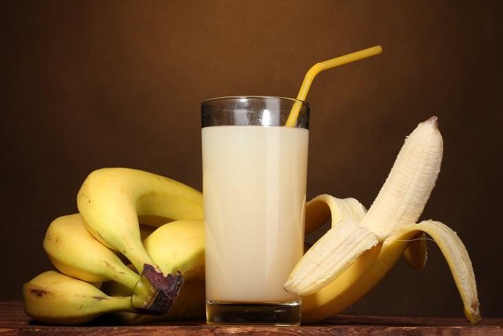 cuantas calorias tiene un licuado de banana